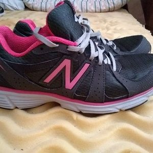 New Balance Shoes - Lightweight, like new, comfortable, tennis shoes
